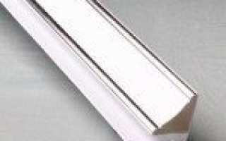 Пластиковые плинтуса для потолка: плюсы и минусы, подготовка и крепление