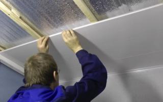 Крепление пластиковых панелей на потолок своими руками