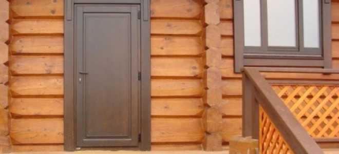 Входная дверь в баню: виды и их особенности