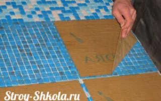 Укладка мозаичной плитки на сетке